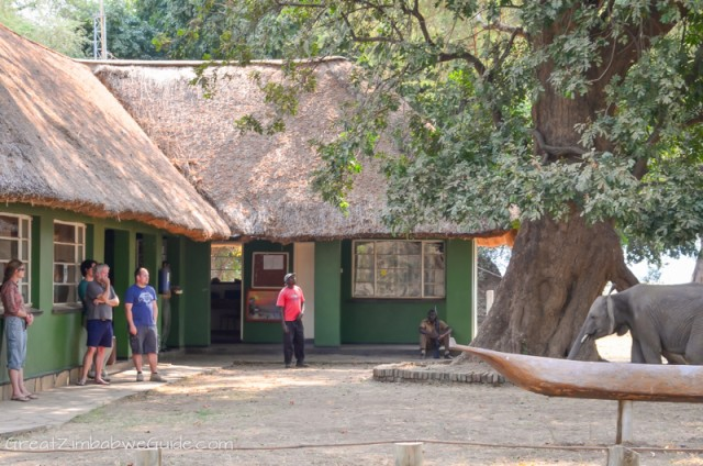 Mana Pools Park Office